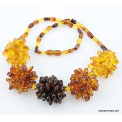 Beautiful Baltic amber pendant necklace 20in