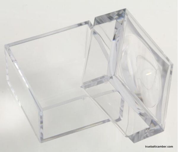 Large magnifying box for fossil stones