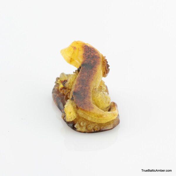 Carved Genuine BALTIC AMBER - Lizard