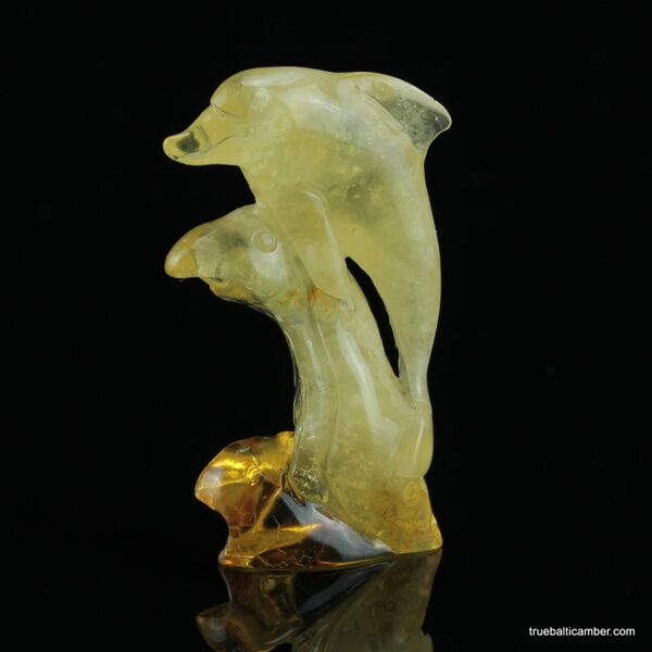 Carved Genuine BALTIC AMBER - Dolphin 9g